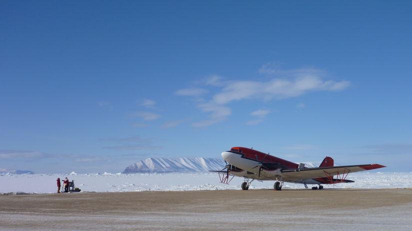 DC-3, lietadlo, Devon