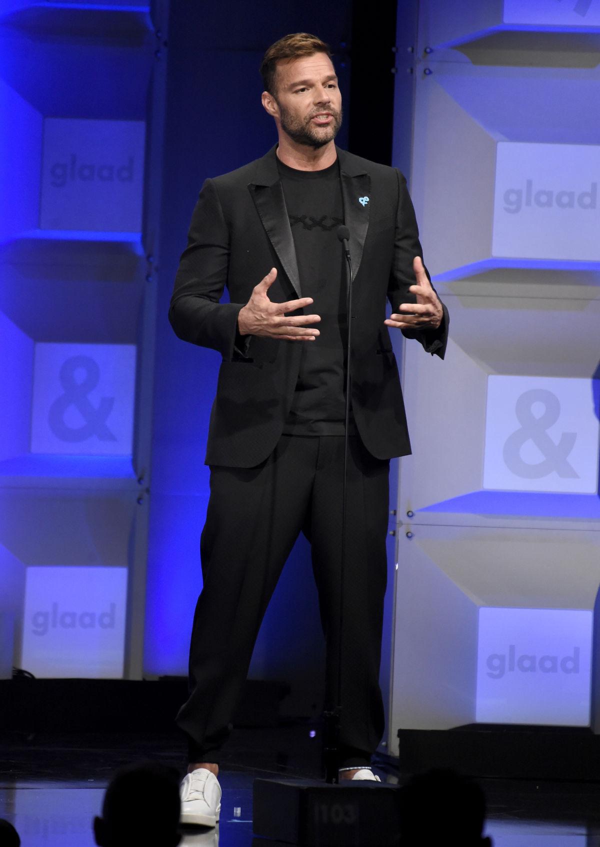 Spevák Ricky Martin odovzdal jednu z cien večera.