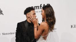 Brazílsky futbalista Neymar a jeho priateľka Bruna Marquezine.