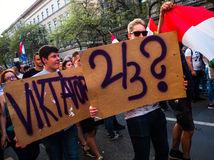 Maďarsko, voľby, reakcia, protest, zákon