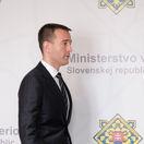 Veľmi nepríjemná situácia pre Smer, komentuje politológ Druckerovu rezignáciu