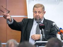 Švecová žiada preloženie Harabina na nižší súd
