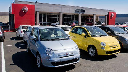 Fiat ide v USA ku dnu. Jeho autá nik nechce