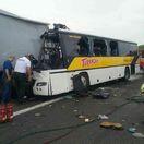 Pri nehode autobusu zomreli dvaja ľudia