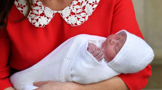 Vojvodkyňa z Cambridge so svojím novonarodeným synom