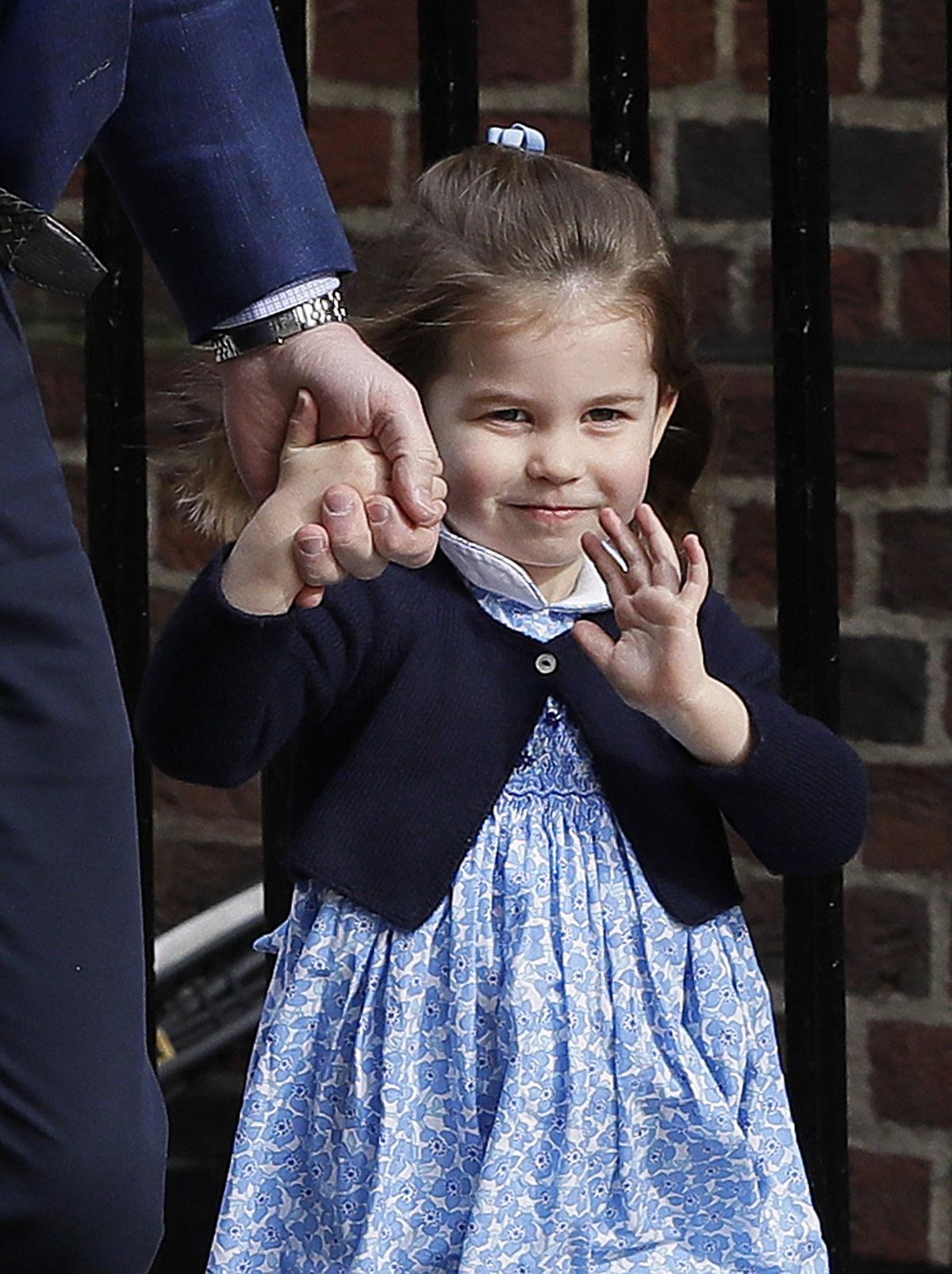 f1d97571b130 Princ William počas pondelkovej návštevy v.
