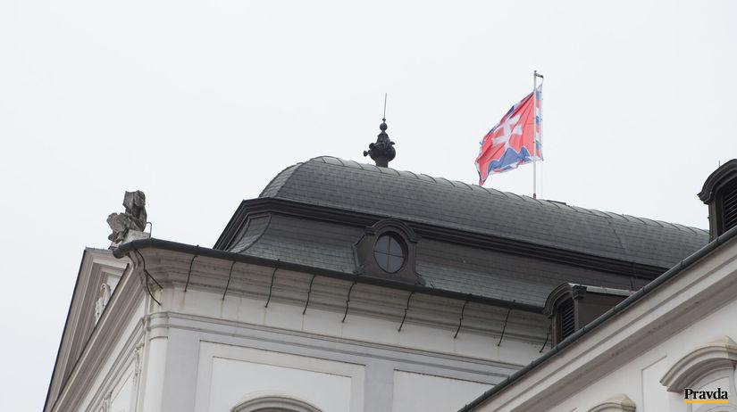 Palác, Kiska, štandarda