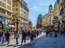 ONLINE: Rakúsko povolí vonkajšie sedenie v reštauráciách