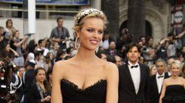 Česká modelka a herečka Eva Herzigová na festivale v Cannes v roku 2010.