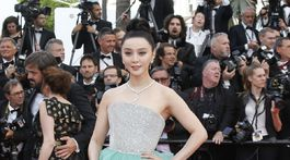 Čínska hviezda Fan Bingbing na červenom koberci.