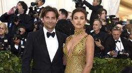 Herec a režisér Bradley Cooper a jeho partnerka - topmodelka Irina Shayk.