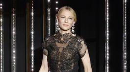 Herečka a šéfka poroty MFF Cannes Cate Blanchett v kreácii Armani Privé.
