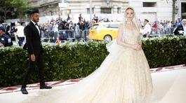 Herečka Kate Bosworth v kreácii Oscar de la Renta.