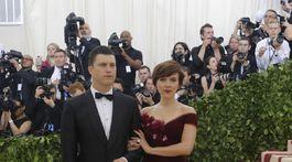 Herečka Scarlett Johansson v šatách z dielne Marchesa.