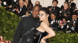 Kylie Jenner v kreácii Alexander Wang.