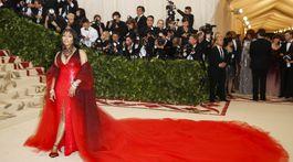 Raperka Nicki Minaj v kreácii Oscar de la Renta.