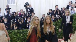 Sestry Ashley Olsen (vľavo) a Mary-Kate Olsen