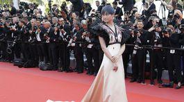 Speváčka Li Yuchun aka Chris Lee v kreácii Gucci.