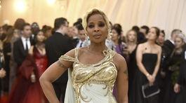 Speváčka Mary J. Blige v kreácii Versace.