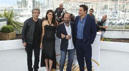 Ricardo Darin, herečka Penelope Cruz, režisér Asghar Farhadi a herec Javier Bardem
