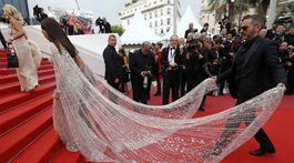 Herečka Araya Hargate v kreácii Ralph & Russo Couture.