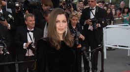 Herečka Laetitia Casta na filmovom festivale v Cannes v roku 2017.