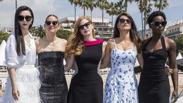 Herečky Fan Bingbing, Marion Cotillard, Jessica Chastain, Penelope Cruz a Lupita Nyong'o predstavili film 355.