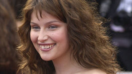 Modelka a neskôr herečka Laetitia Casta na zábere z roku 2003 v Cannes.