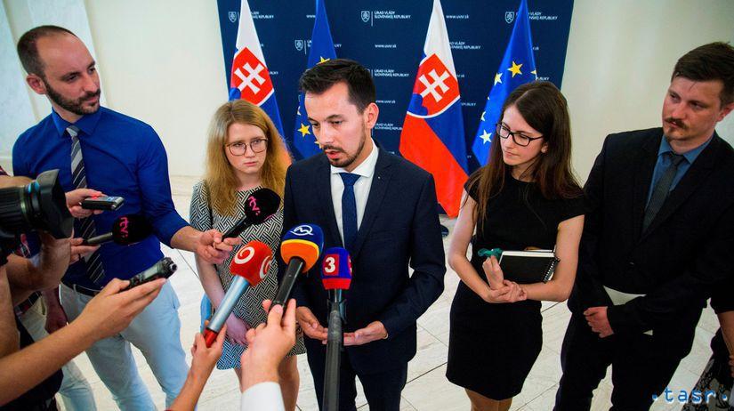 Za slušné Slovensko, Farská, Šeliga, úrad vlády