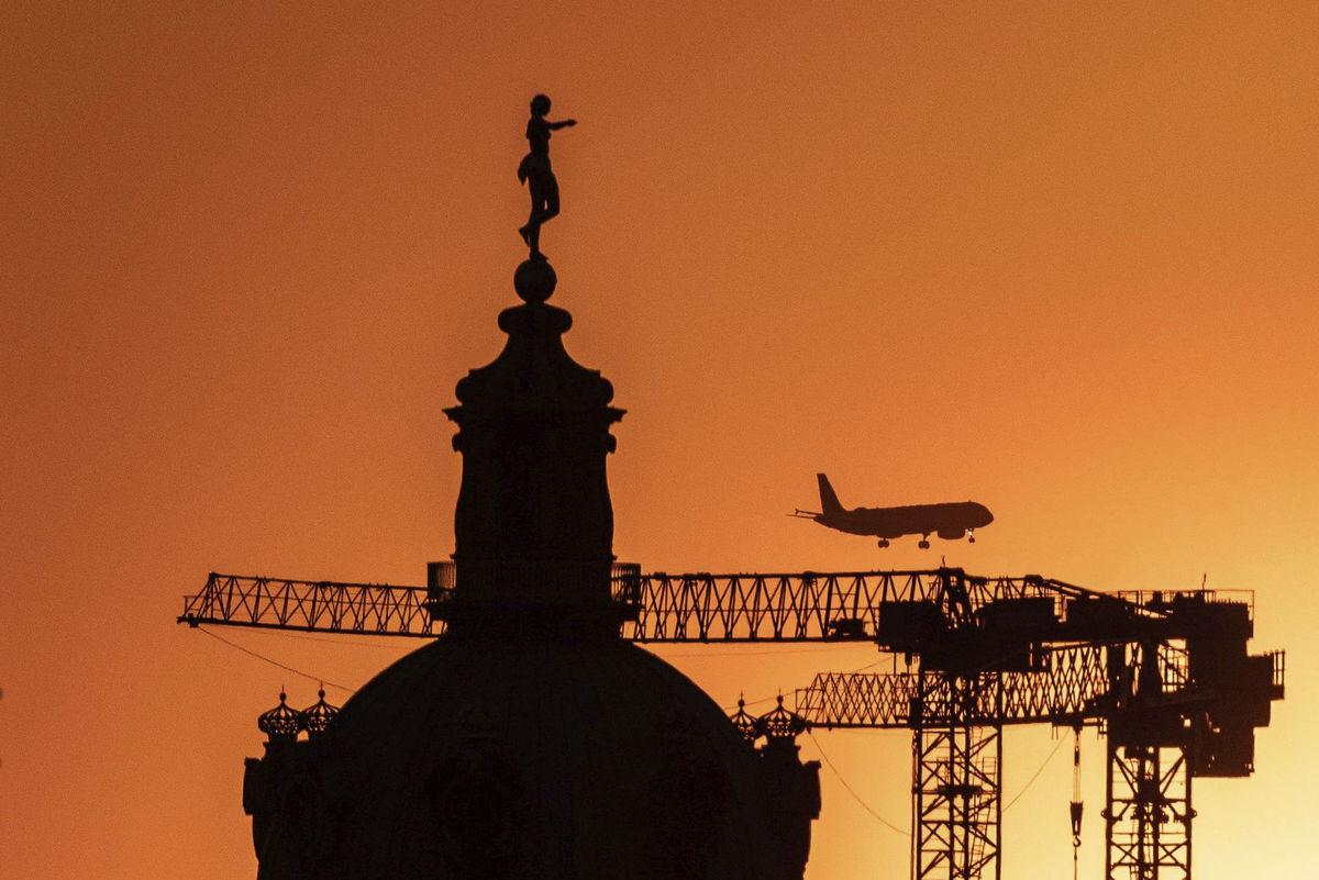Nemecko, žeriav, lietadlo, Charlottenburg palác