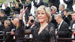 Herečka Jane Fonda bola už tradične neprehliadnuteľná.