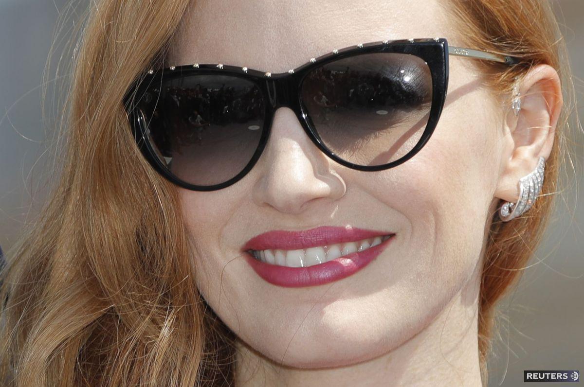 45c80c4bc Slnečné okuliare podľa hviezd Hollywoodu? 7 inšpirácií, ktoré nesklamú!