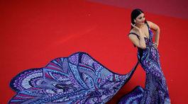 Indická herečka Aishwarya Rai v kreácii Michael Cinco Couture.