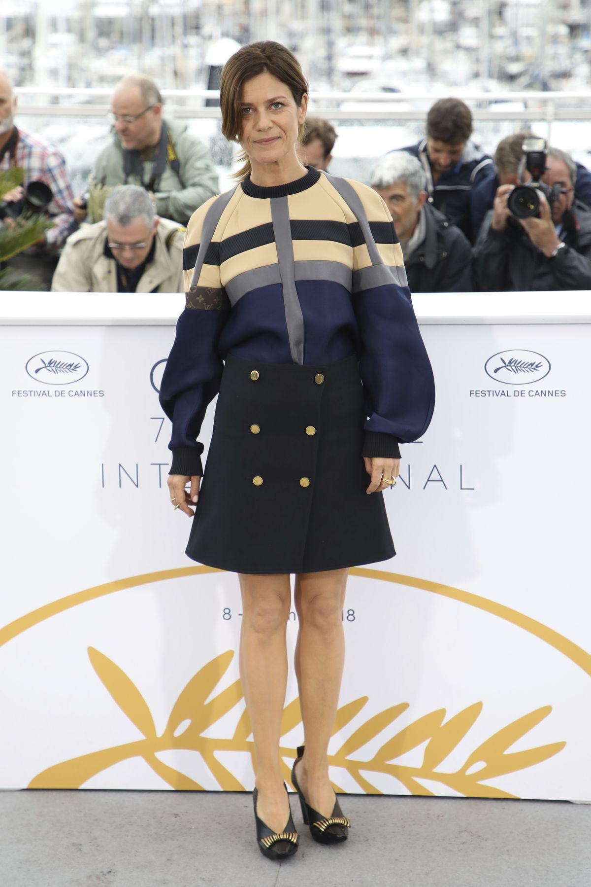 Herečka Marina Fois v kreácii Louis Vuitton.