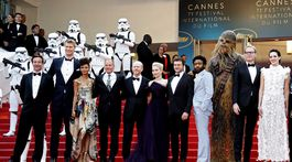 Pestré osadenstvo a tvorcovia filmu Solo: A Star Wars Story na filmovom festivale v Cannes.