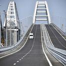 Zbombardujte Putinov krymský most, radí Ukrajine americký magazín