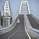 Za most na Krym draho zaplatíte, odkázal Kyjev Moskve. Rokuje o sankciách