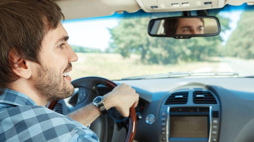 auto, šofér, jazda, ojazdené auto, stav tachometra