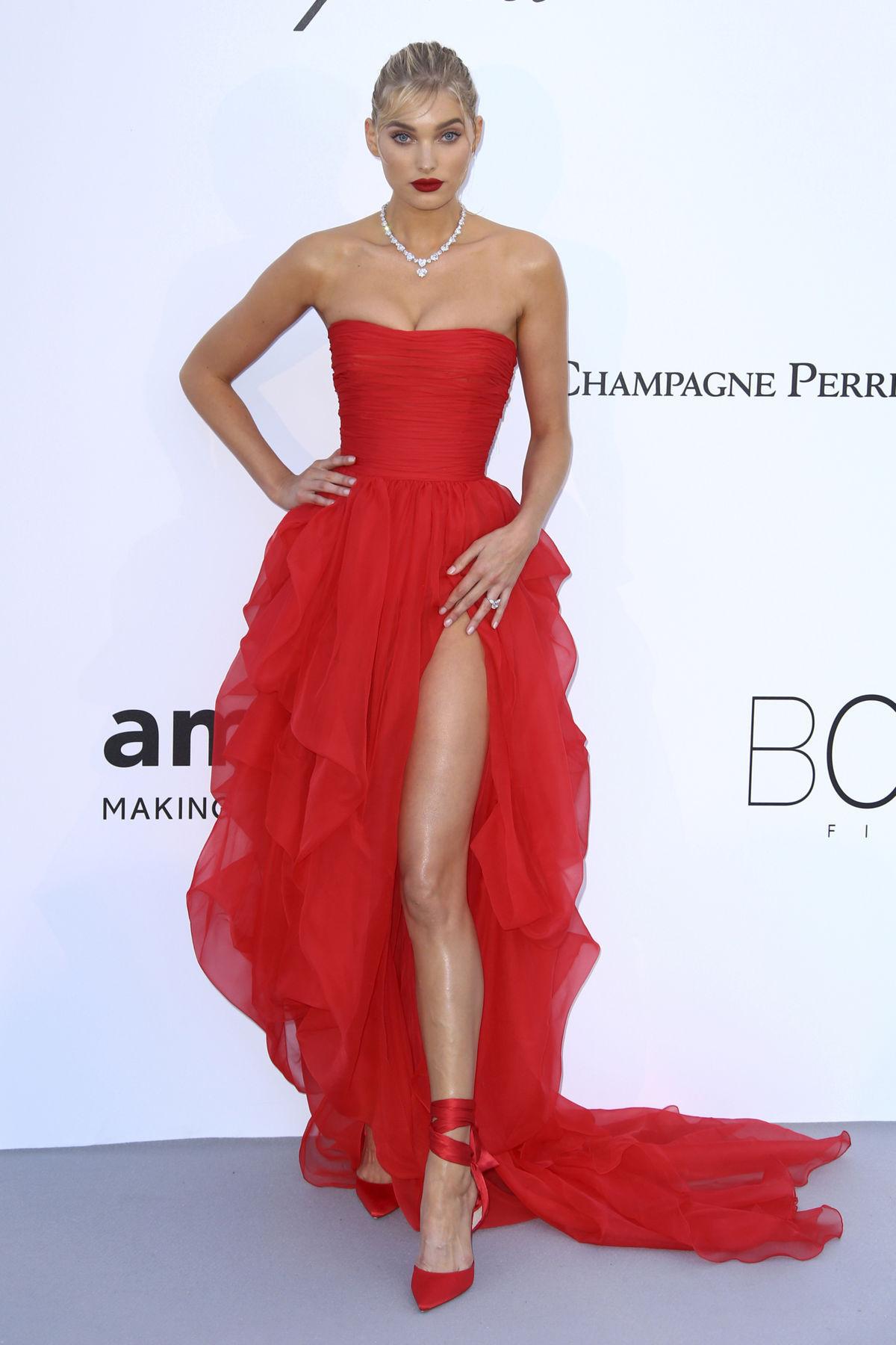 Modelka Elsa Hosk prišla v kreácii Ermano...