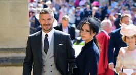 David Beckham a jeho manželka Victoria Beckham prichádzajú na kráľovskú svadbu.