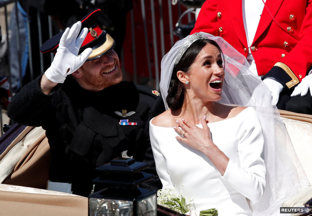 de10db75863c Meghan Markle a Princ Harry spoločne po svadobnom obrade na hrade Windsor.