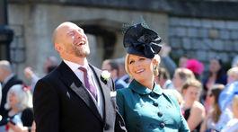 MIke Tindall a Zara Tindall prišli s úsmevom a dobrou náladou.