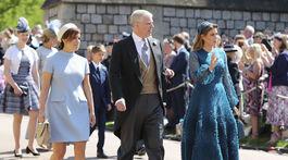 Princezná Eugenie, vojvoda z Yorku a princezná Beatrice prichádzajú na svadobný obrad.