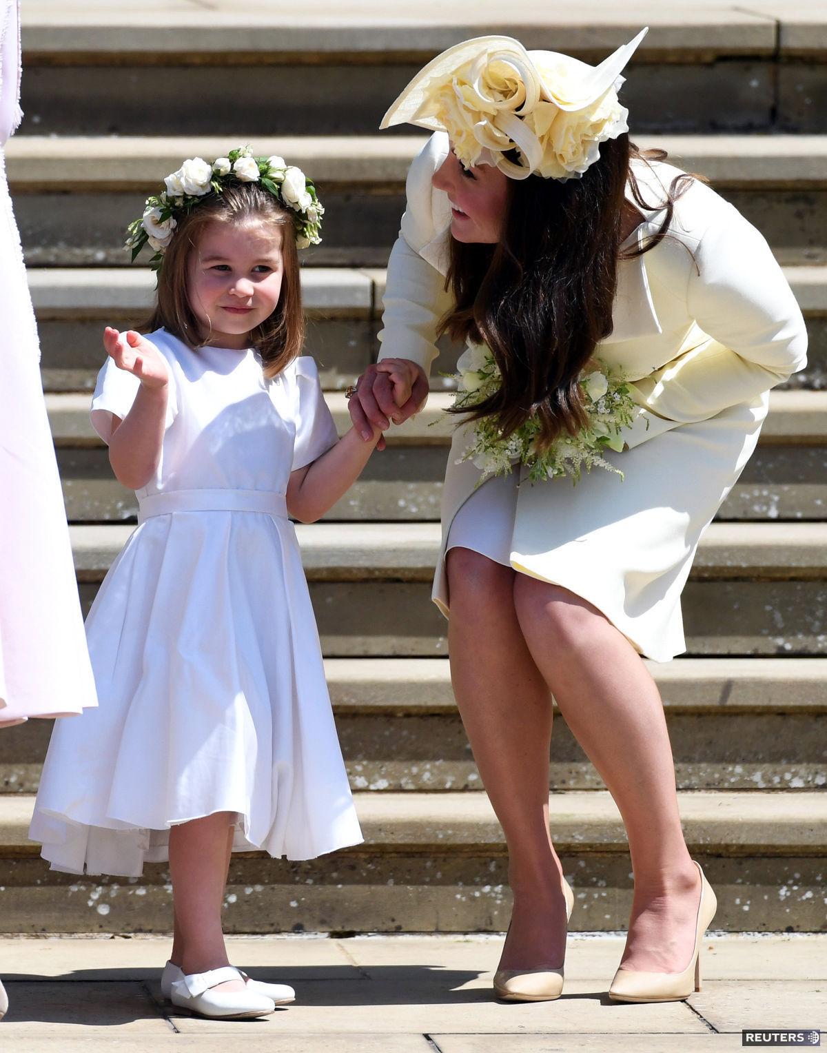 5e5c15d69fa2 Vojvodkyňa Kate a jej štíhla postavička! Malá Charlotte si svadbu ...