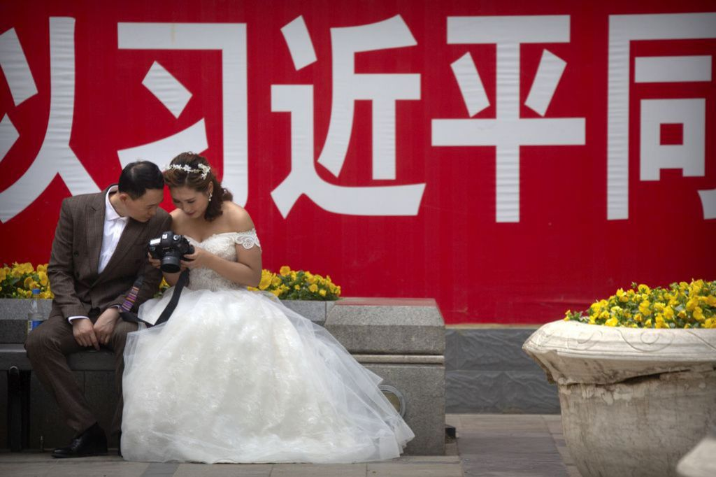 Čína, svadba, ženích, nevesta, fotoaparát