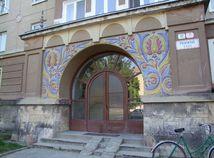 Nová Dubnica ornamenty bytový dom fasáda