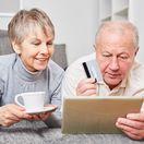 dôchodcovia, manželia, seniori, platobná karta, nákup cez internet