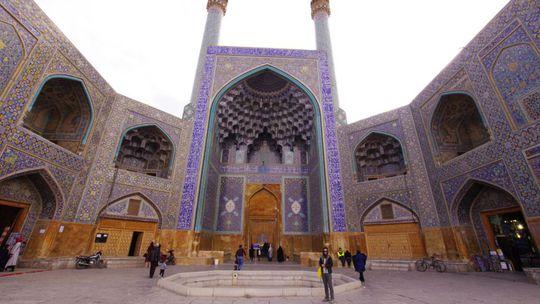 Irán očami cyklocestovateľa: Najväčšia zbierka drahokamov na svete? Je v Teheráne (7)