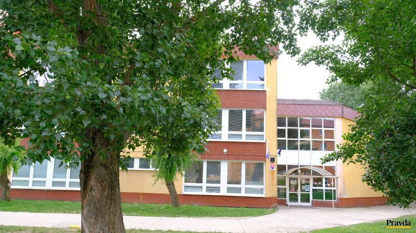 Šamorín, škola