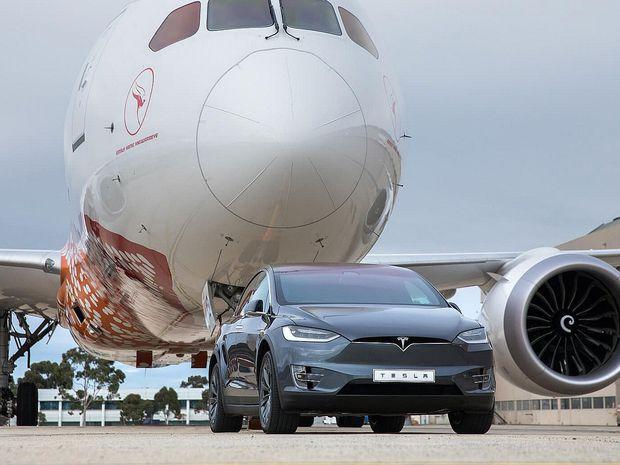 Tesla X - Boeing 2018